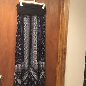 Women's Black and Blue Design Maxi Skirt Apt. 9